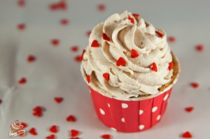 juxi's bakery: lovely cupcakes (himbeer-schoko-cupcakes)