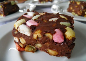 LisaCuisine: Rocky Road Fudge